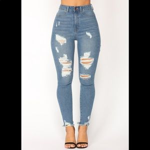 FN distressed skinny jeans 🛑 Sold on Ⓜ️